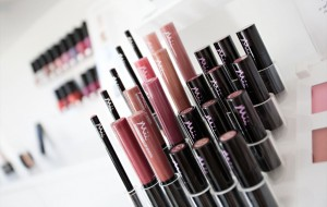 Mii makeup 1024x650 300x190 - Mii%20makeup-1024x650