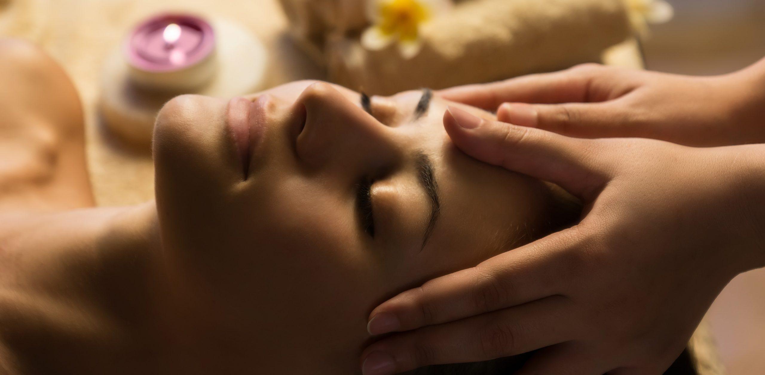 Head massage scaled - Sea Breeze Spa