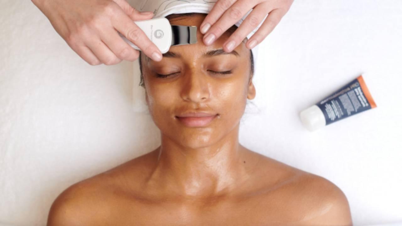 Mini  ProductusedwithBTMicro Biolumin CProSerum - Beauty Treatments