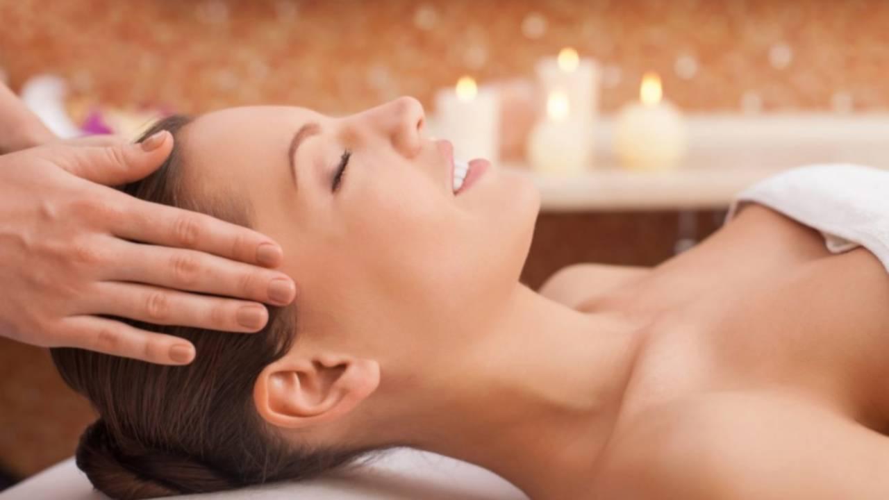 Mini  getting professional massage 1030x687 1 - Beauty Treatments